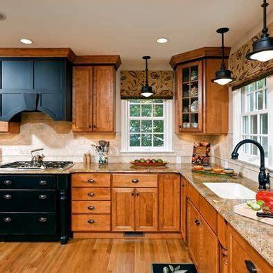 Light Oak Cabinets on Pinterest   Oak Cabinet Kitchen, Oak