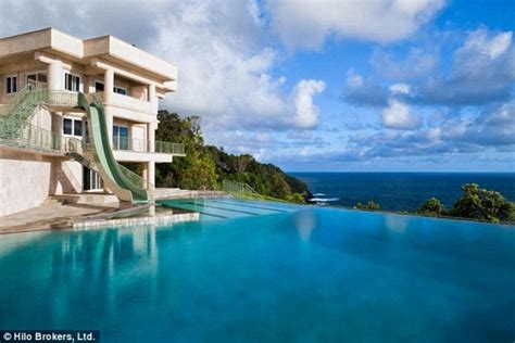 justin bieber rents 10k a mansion in hawaii with rooftop helipad to ferry pals daily