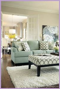 Ideas on how to decorate a small living room for Ideas on how to decorate a living room