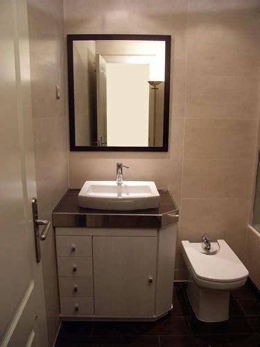 foto mueble  lavabo sobre encimera de muebles de bano