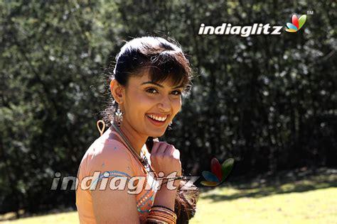tamil actress kausalya height tamil actress kausalya family photos www pixshark