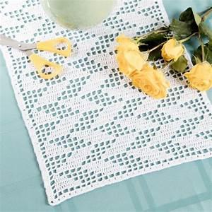 Filet Crochet Table Runner - Diy Table Decor