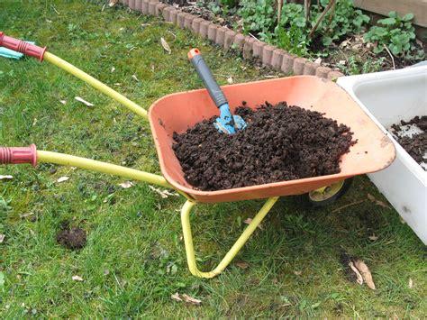 Kompost Warum jeder Gärtner einen eigenen anlegen sollte
