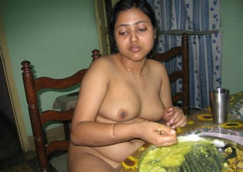Sexy Indian Sharee Wearing Aunty Hd Images