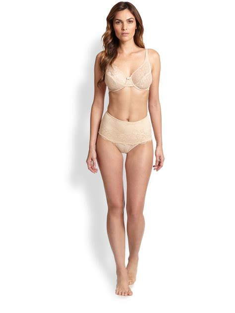 Le Mystere Defining Lace Bra In Brown Lyst
