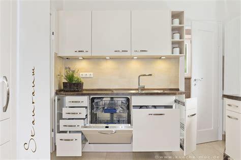 Kleine Küche Stauraum by Stauraumwunder In Dieser Kleinen Kueche Wird Jede Ecke