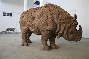 Davide Rivalta, Rinoceronte indiano Artribune