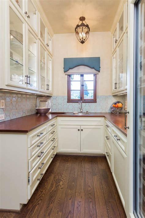 spanish revival home la canada ca butlers pantry