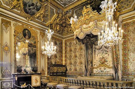 la chambre de la reine versailles le grand appartement de la reine détours en