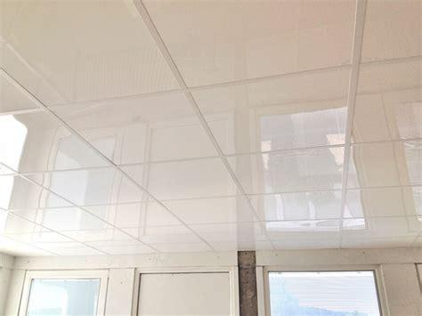 plafond pvc cuisine dalle pour plafond pvc rénover en image