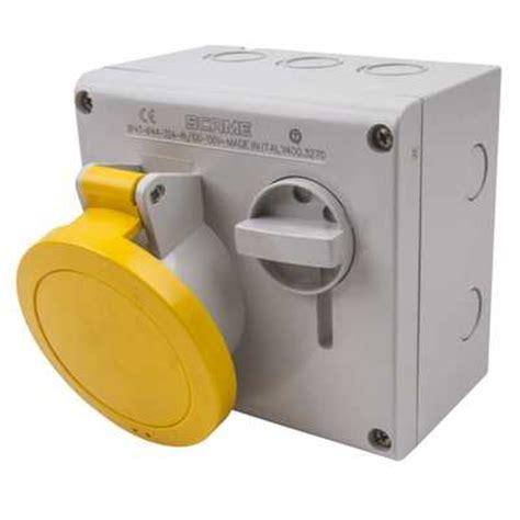 Mobile Mounting Socket 32a 2p 32a 2p e 110v interlocked socket ip44 city electrical
