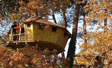 chambre d hote org cabanes dans les arbres et hébergements pour nuit insolite