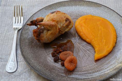 cuisiner des cailles caille farcie à l orange et d épice radis