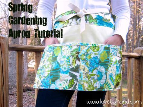craftaholics anonymous fresh spring gardening apron pattern
