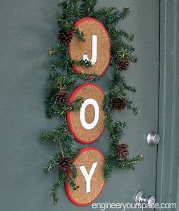 DIY front door holiday decoration made with cork trivets