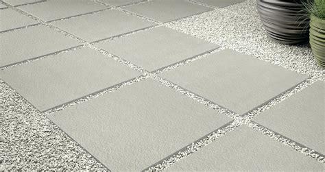 Terrassenplatten Verlegen So Gehts by Terrassenplatten Verlegen Kosten Terrassenplatten