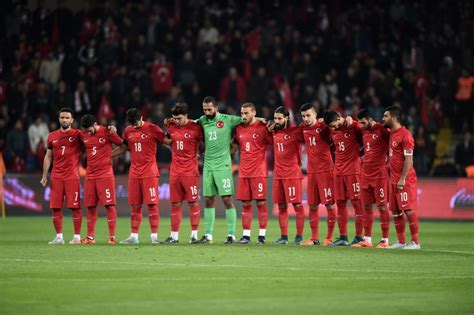 turkey soccer fans boo moment  silence  paris attacks