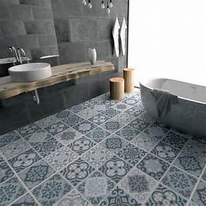 le carrelage adhesif carreaux de ciment un relooking With carrelage adhesif salle de bain avec led pas cher