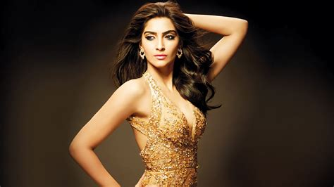 Sonam Kapoor Hot Photos And Wallpapers In Bikini