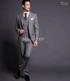 Custom Made Slim Fit Gray Groom Tuxedos Notch Lapel Best Man Suit Wedding Groomsman Men Suits Bridegroom (Jacket Pants Tie Vest) G1