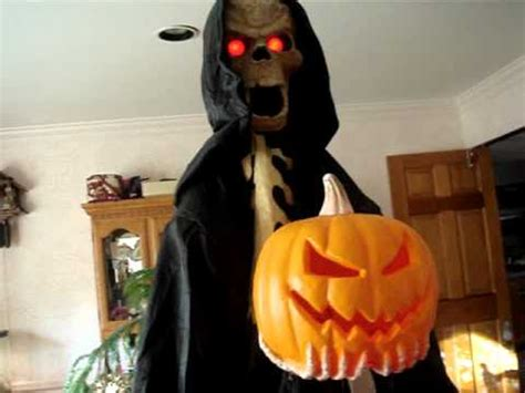 Spirit Halloween Animatronics Youtube by Spirit Halloween Pumpkin Reaper Animatronic Youtube