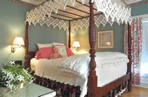King Size Canopy Bed With Curtains by Media Door County Bed And Breakfast Sturgeon Bay Wi A