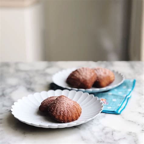 Madalines streams live on twitch! Moist Madalines - Madeleines are moist and tender sponge ...