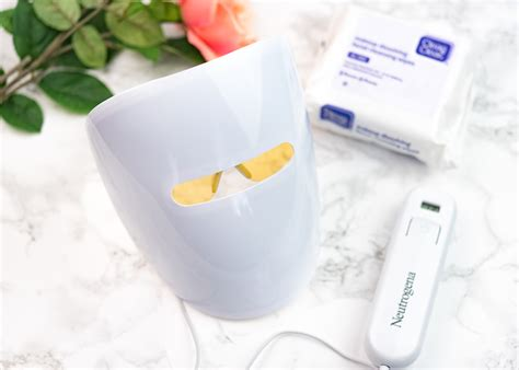 acne light therapy mask review neutrogena light therapy acne mask does it