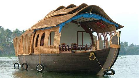 Kerala Boat House Munnar by 3 Nights 4 Days Kochi Munnar Houseboat Package
