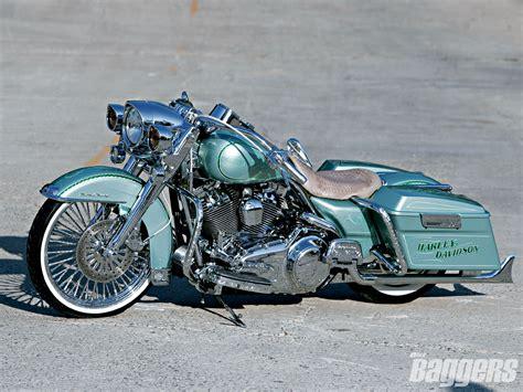 Harley Davidson, Cars