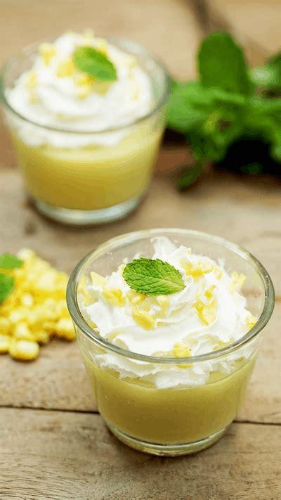 Siapkan blender, kemudian di blender jagung dengan 450 ml air. Puding Jagung ~ Resep | Tastemade