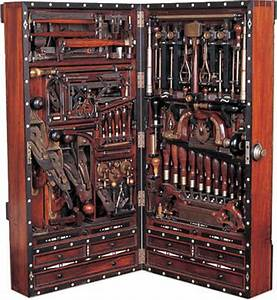 The H O Studley Tool Chest - Fine Woodworking Article