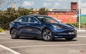 2019 Tesla Model 3 Standard Plus review (video) | PerformanceDrive