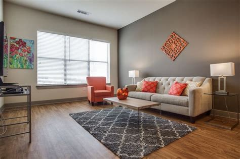 Contemporary Furnished Short Term Apartment