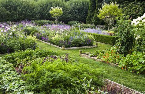 Ina Garten's Gorgeous Garden  The Simply Luxurious Life®