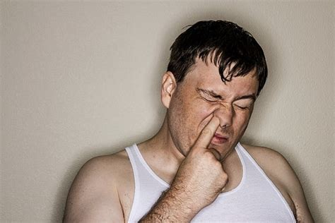 Male Habits That Annoy Women
