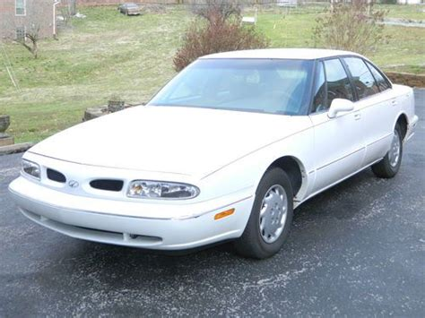 how do i learn about cars 1998 oldsmobile aurora spare parts catalogs purchase used 1998 oldsmobile eighty eight 4dr white 1 owner non smoker lady driven 92k v6 in