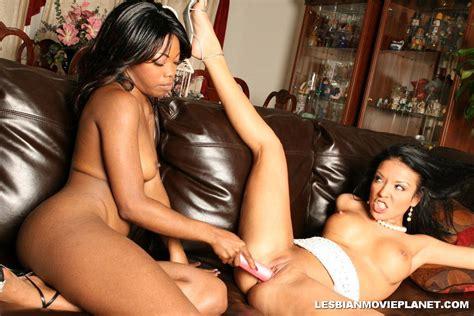 Hot Latino Lesbian Sluts Playing Together 2277