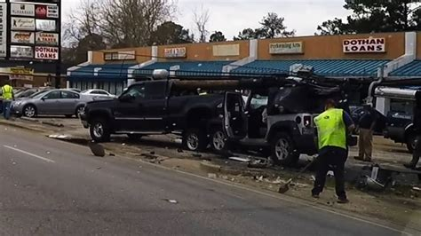 Dothan Al Major Accident Aftermath  Ee  Jeep Ee    Ee  Wrangler Ee   Vs