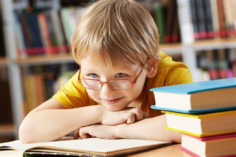 5 signs your child needs glasses billings eye doctors 625 | schol age child needs glasses