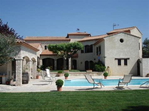 cuisine 8m2 à vendre superbe villa plus studio avec grande piscine