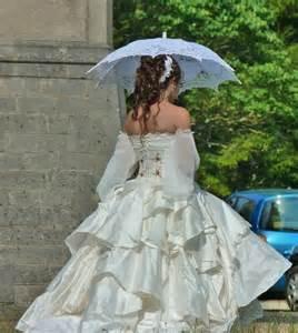 robe de mariã e mousseline robe de mariée en soie mousseline et dentelle robe par fraise au loup creations