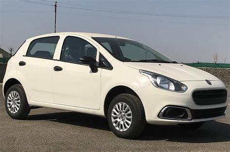 entry level fiat punto evo pure launched  india  rs