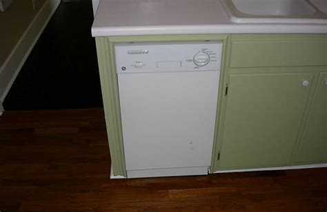 Compact Kitchens For Small Spaces by Teensie Dishwasher For Small Spaces Shakadoo