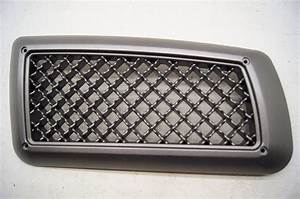 03 Chevy Kodiak Hood Air Vent 15116807
