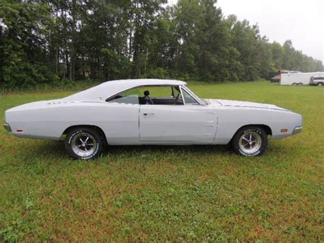 Rotisserie Restoration REAL R/T SE, 1969 Charger all 100 %