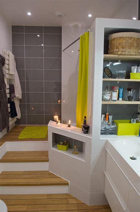 ma salle de bain parquet estrade blanc gris bois vert salle de bain tuile
