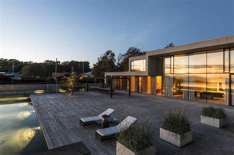 Moderne Dänische Häuser by Modern Villa With Lovely Living Room With Large Windows