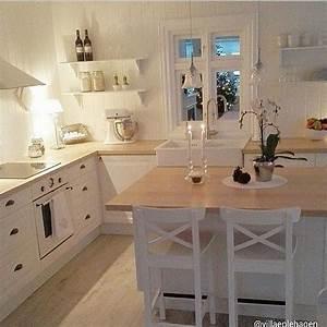 Ikea Landhausstil Küche : k che wei rahmenfront landhaus insel arbeitsplatte holz boden holz k che haus k chen k che ~ Orissabook.com Haus und Dekorationen