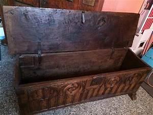 Antike Schränke Kaufen : gotische truhe in buchs kaufen bei antiques antiquit ten pinterest schrank ~ Markanthonyermac.com Haus und Dekorationen